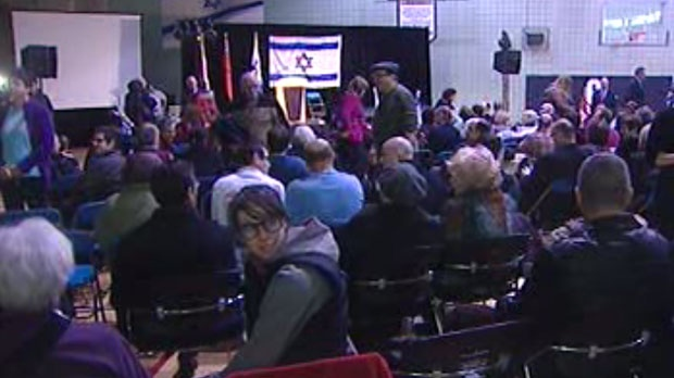 About 200 people gathered at the Asper Jewish Community Centre Saturday in support of Isreal.