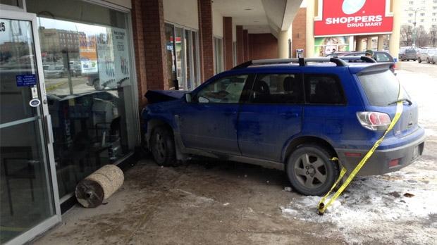 Vehicle crashes on Marion
