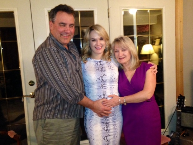 Can you tell Nicole's parents, Dan and Josie, are so excited about becoming grandparents?