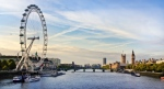 An online campaign to raise money to build a pool in the Thames fed by filtered river water, downriver from the Houses of Parliament and the London Eye, has already exceeded its target on funding platform Kickstarter. (©QQ7/shutterstock.com)