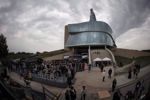 Guests gather at the grand opening of the Canadian Museum For Human Rights in Winnipeg on September 17, 2014.  (John Woods/THE CANADIAN PRESS)