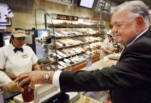 Ron Joyce, co-founder of Tim Hortons, is shown in an Oct. 20, 2006 file photo. (THE CANADIAN PRESS / Aaron Harris)