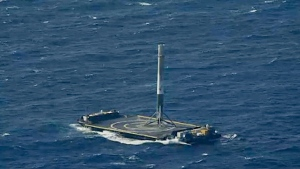 Falcon 9's first-stage booster lands on SpaceX's droneship 'Of Course I Still Love You' in the Atlantic after propelling the Dragon spacecraft to the International Space Station (SpaceX / Twitter)