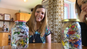 Saanich mothers Tara Smith-Arnsdorf (left) and Katelin Leblond (right) have reduced their garbage output to a 2-litre glass jar each over an entire year. April 21, 2016. (CTV Vancouver Island)