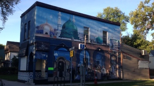 A mural on the side of the Halal Meats store on Maryland Street on Aug. 28, 2016. (Photo: Cameron MacLean/CTV Winnipeg)
