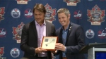 Teemu Selanne gets key to city