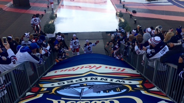 Winnipeg Jets leave the ice after practice at the NHL Heritage Classic. (Photo: Scott Anderson/CTV Winnipeg)
