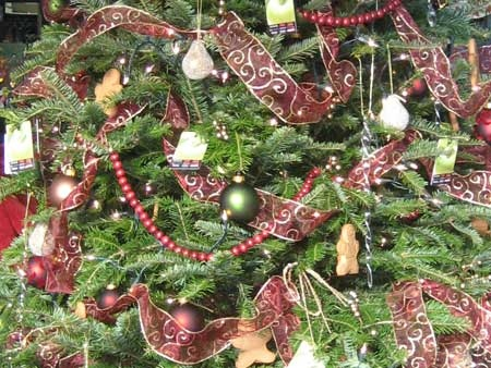 Memorial holiday tree launches